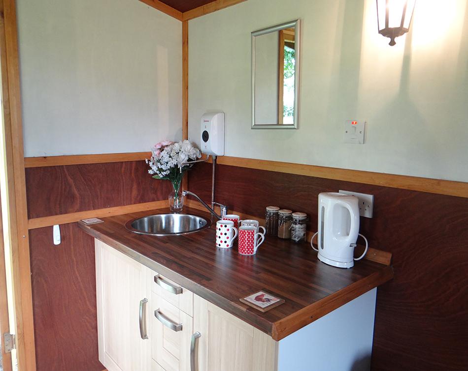 Kingfisher Hut Kitchenette